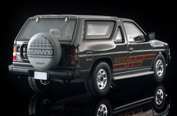 Tomica-Limited-Vintage-Neo-Nissan-Terrano-R3M-Ash-009