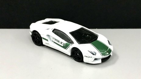 Hot-Wheels-2020-Police-Series-Lamborghini-Aventador-Coupé-003