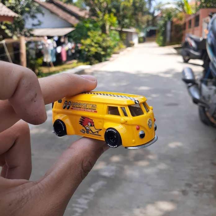 Hot-Wheels-custom-Volkswagen-T1-Panel-Ardian-praditya-004