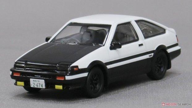 Kyosho-Initial-D-Toyota-Sprinter-Trueno-AE86-001