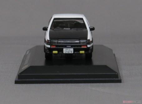 Kyosho-Initial-D-Toyota-Sprinter-Trueno-AE86-008