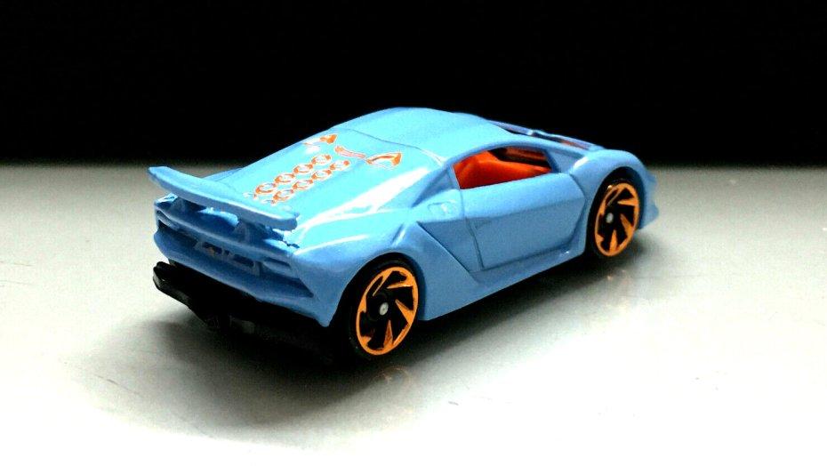 Hot-Wheels-2020-Lamborghini-Sesto-Elemento-002