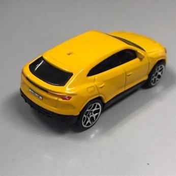 Hot-Wheels-2020-Mainline-Lamborghini-Urus-003