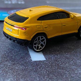 Hot-Wheels-2020-Mainline-Lamborghini-Urus-005