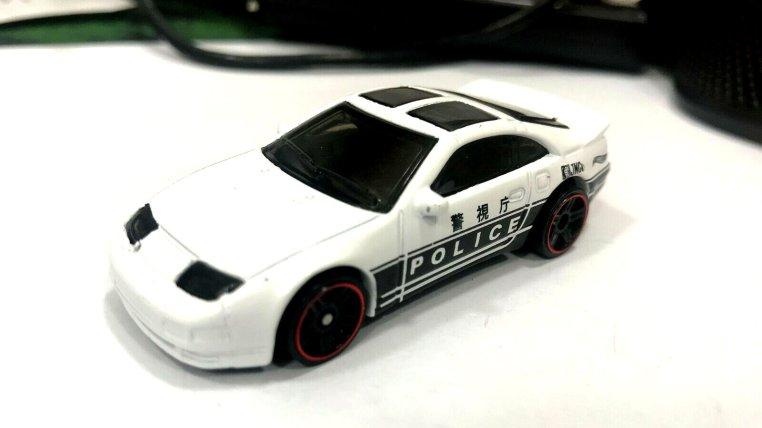 Hot-Wheels-2020-Mainline-Nissan-300ZX-001