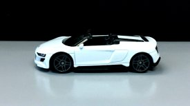Hot-Wheels-Audi-R8-Spyder-004