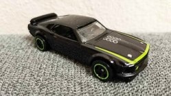 Hot-Wheels-Mainline-69-Ford-Mustang-Boss-302-RTR-001