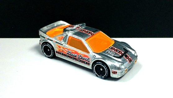 Hot-Wheels-id-2020-Ford-RS200-003