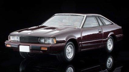 Tomica-Limited-Vintage-Neo-Nissan-Silvia-Hatchback-Turbo-ZSE-marron-002