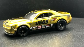 Hot-Wheels-2020-Super-Treasure-Hunt-Dodge-Demon-004