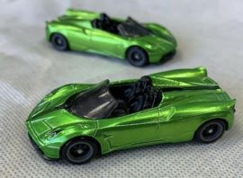 Hot-Wheels-Super-Treasure-Hunt-2020-17-Pagani-Huayra-Roadster-003