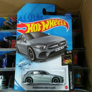 Hot-Wheels-Mainline-2020-2019-Mercedes-Benz-A-Class-003