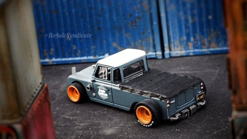 Land-Rover-III-series-custom-by-RoyaleSyndicate-007