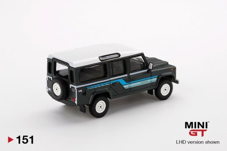 Mini-GT-Land-Rover-Defender-110-1985-County-Station-Wagon-Grey-002