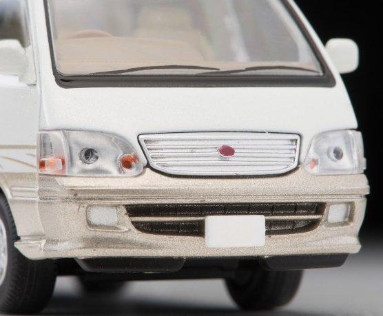 Tomica-Limited-Vintage-Neo-Toyota-Hiace-Wagon-Living-Saloon-EX-Blanc-Beige-005