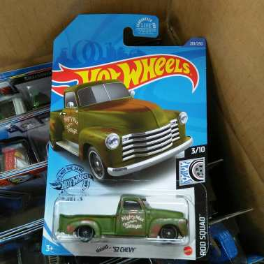 Hot-Wheels-Mainline-2020-52-Chevy-002