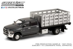 GreenLight-Collectibles-Dually-Drivers-6-2018-Ram-3500-Dually-Stake-Truck