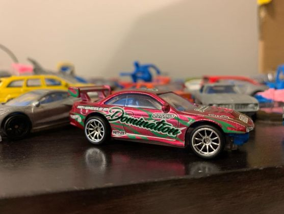 Hot-Wheels-ID-Nissan-Silvia-S14-Kouki-drift-004