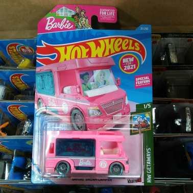 Hot-Wheels-Mainline-2021-Barbie-Dream-Camper-001
