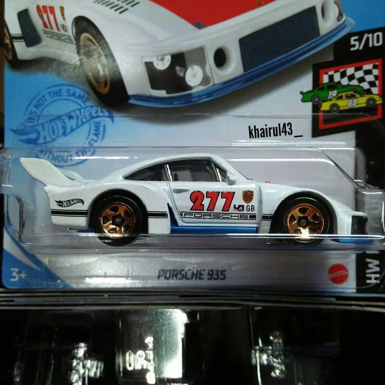 Hot-Wheels-Mainline-2021-Porsche-935-001