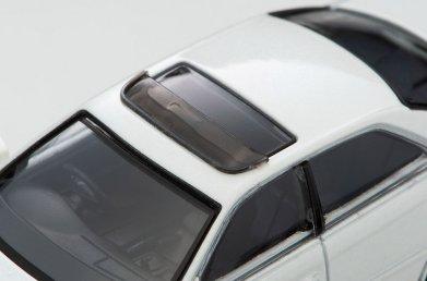 Tomica-Limited-Vintage-Neo-Toyota-Chaser-Tourer-V-Blanche-007