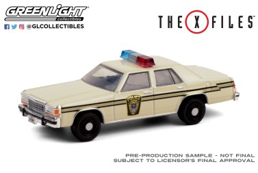 GreenLight-Collectibles-Hollywood-29-1983-Ford-LTD-Crown-Victoria-The-X-Files