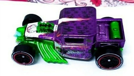 Hot-Wheels-ID-Joker-Bone-Shaker-001