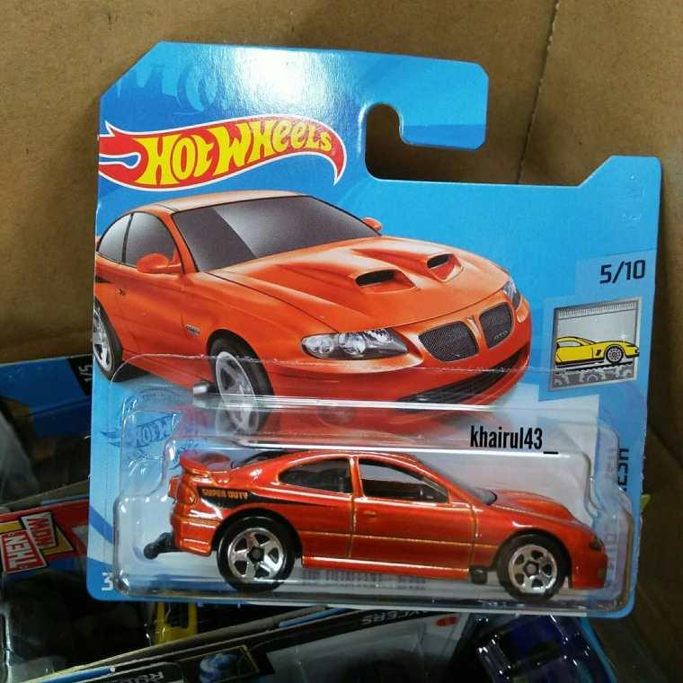 Hot-Wheels-Mainline-2012-2006-Pontiac-GTO-001