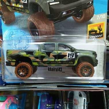 Hot-Wheels-Mainline-2021-19-Chevy-Silverado-Trail-Boss-LT-002