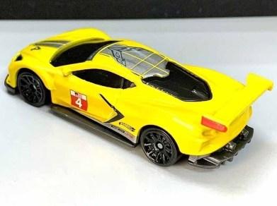 Hot-Wheels-Mainline-2021-Chevrolet-Corvette-C8-R-004