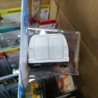Hot-Wheels-Mainline-2021-Custom-77-Dodge-Van-003