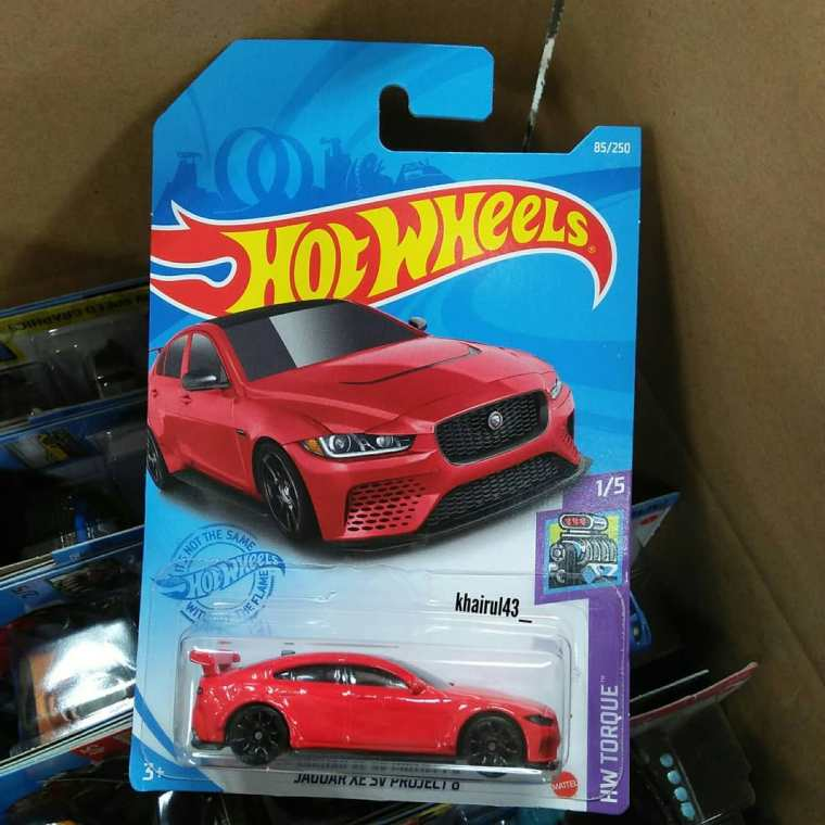 Hot-Wheels-Mainline-2021-Jaguar-XE-SV-Project-8-001
