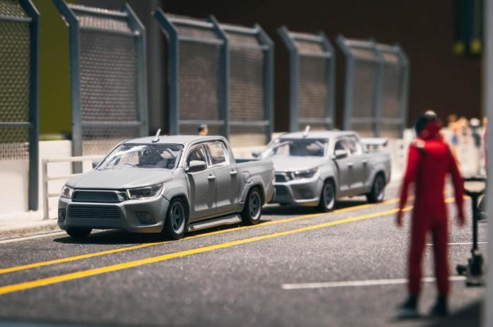 Tarmac-Works-Toyota-Hilux-001