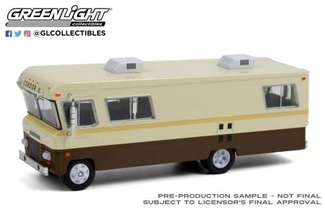 GreenLight-Collectibles-HD-Trucks-20-1972-Condor-II-RV