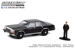 GreenLight-Collectibles-The-Hobby-Shop-Series-10-1987-Ford-LTD-Crown-Victoria