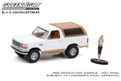 GreenLight-Collectibles-The-Hobby-Shop-Series-10-1996-Ford-Bronco-Eddie-Bauer