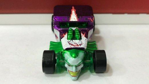 Hot-Wheels-ID-Joker-Bone-Shaker-004