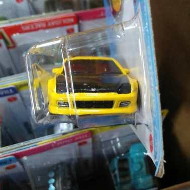 Hot-Wheels-Mainline-2021-98-Honda-Prelude-003