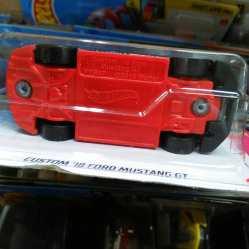 Hot-Wheels-Mainline-2021-Custom-18-Ford-Mustang-GT-Formula-Drift-006