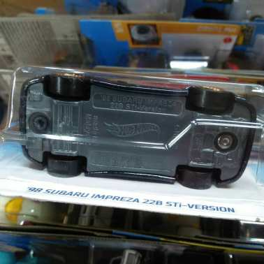 Hot-Wheels-Mainline-2021-Subaru-Impreza-WRX-STi-22b-006