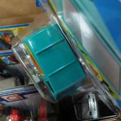 Hot-Wheels-Mainline-2021-The-Mystery-Machine-005