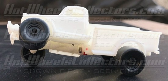 Hot-Wheels-Red-Line-Club-Dodge-Power-Wagon-003