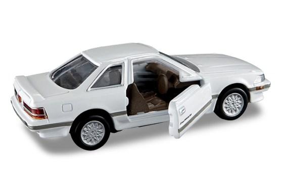 Tomica-Premium-Toyota-Soarer-003