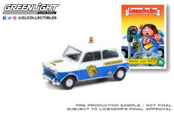 GreenLight-Collectibles-Garbage-Pail-Kids-Series-3-1962-Austin-Mini-Cooper-Mk1-Traffic-Lady-Katie