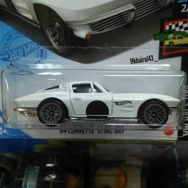 Hot-Wheels-Mainline-2021-64-Corvette-Sting-Ray-002