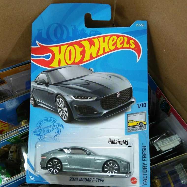 Hot-Wheels-Mainline-2021-Jaguar-F-Type-001