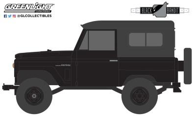 GreenLight-Collectibles-Black-Bandit-Series-25-1970-Nissan-Patrol