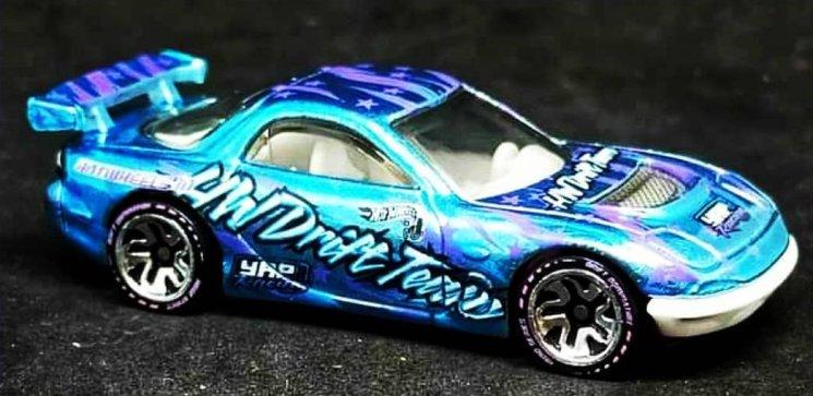 Hot-Wheels-ID-2021-Mazda-RX-7-Drift-002