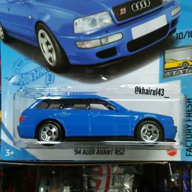 Hot-Wheels-Mainline-2021-94-Audi-RS2-Avant-002