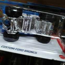 Hot-Wheels-Mainline-2021-Custom-Ford-Bronco-006